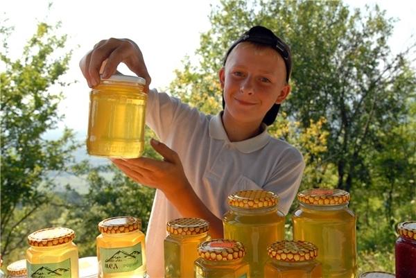 продавец мёда